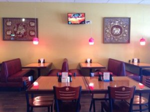thai diner booths