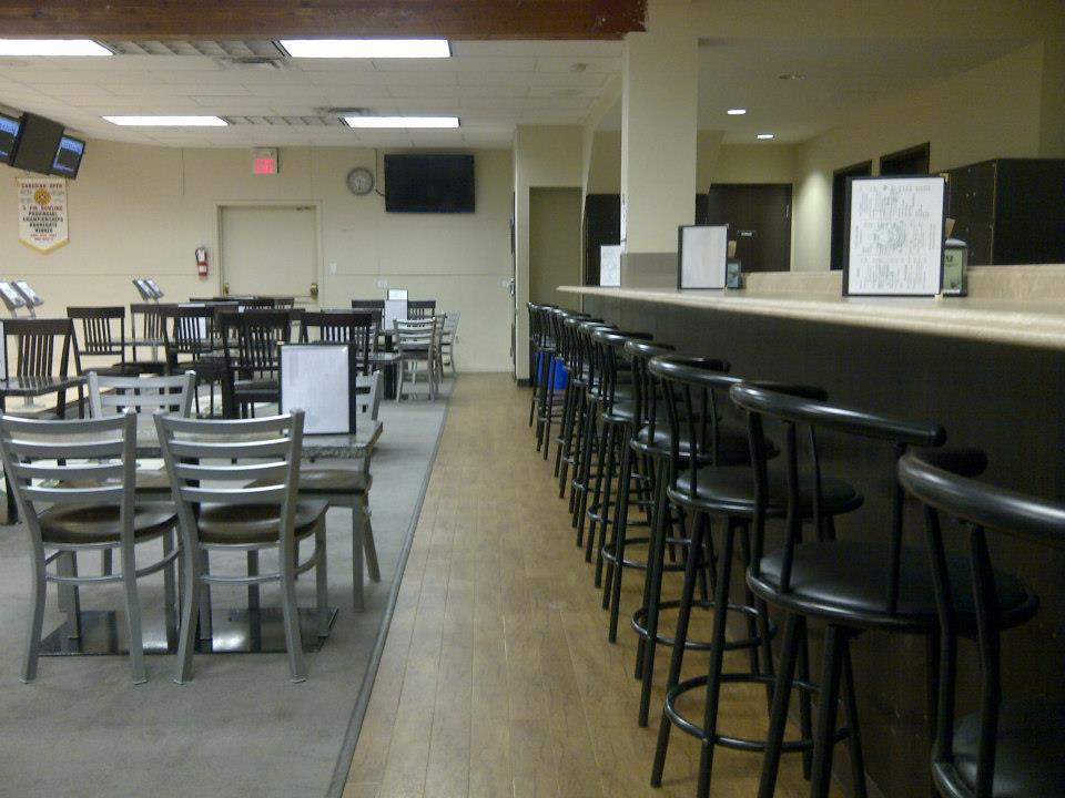 Restaurant furniture canada helps clover lanes to a