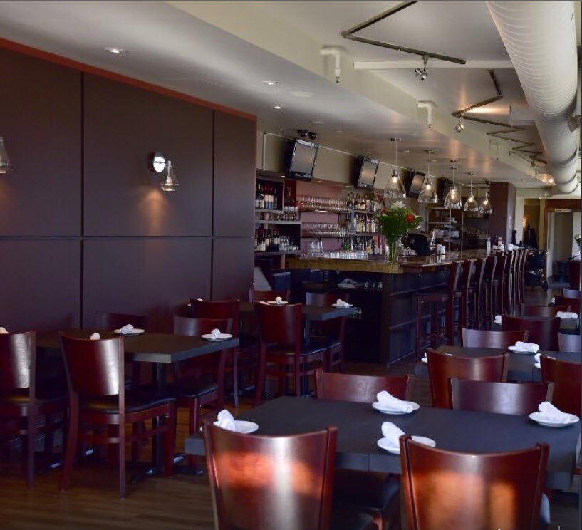 Seating masters helps rocco restaurant bar with its