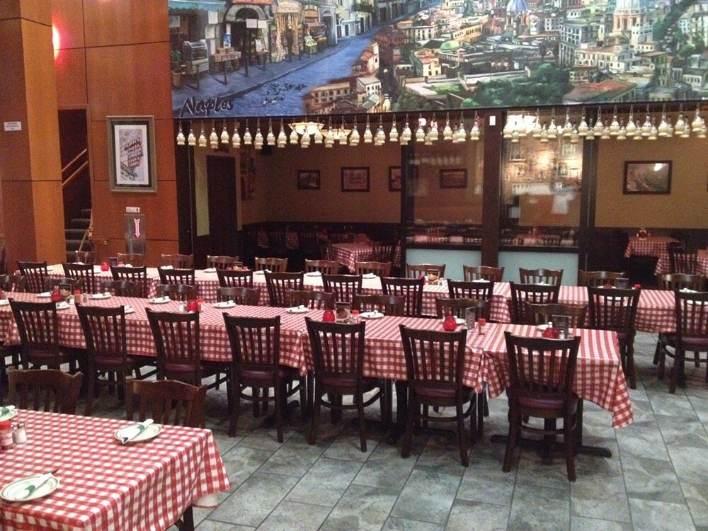 Restaurant Helps Filippi S Pizza With Its Grand Opening Innovative Seating Blog